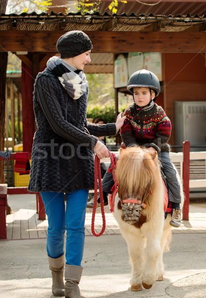 母親 ライディング ポニー 着用 ヘルメット ストックフォト © Nejron