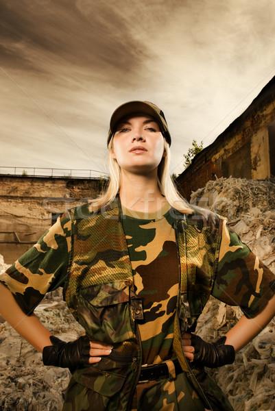 Zangado feminino soldado menina mãos cara Foto stock © Nejron