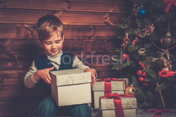 Stockfoto: Weinig · jongen · geschenkdoos · kerstboom · houten