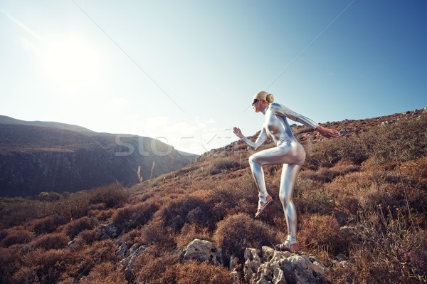 Stockfoto: Vrouw · bergen · hemel · mode · zonsondergang · landschap