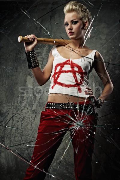 Punk ragazza bat dietro vetri rotti faccia Foto d'archivio © Nejron