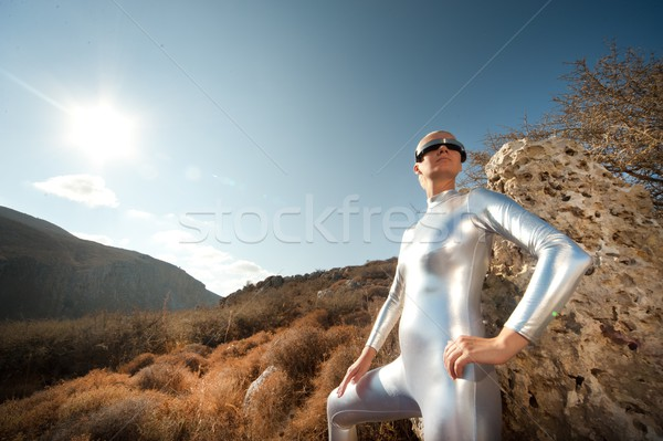 Vrouw bergen hemel mode zonsondergang landschap Stockfoto © Nejron