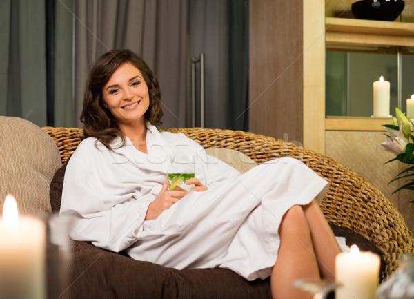 Mujer hermosa relajante albornoz spa salón cuerpo Foto stock © Nejron