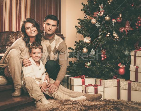 Familia feliz árbol de navidad mujer casa nina Foto stock © Nejron
