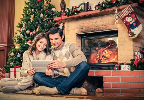 ストックフォト: カップル · 暖炉 · クリスマス · 装飾された · 家