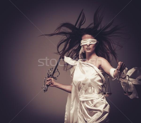 Godin justitie schalen zwaard witte standbeeld Stockfoto © Nejron