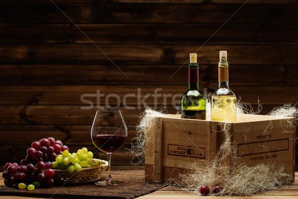 Сток-фото: бутылок · красный · белое · вино · стекла · винограда