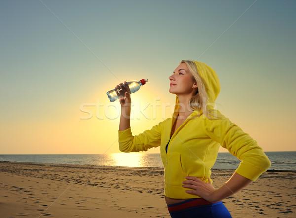 питьевая вода фитнес осуществлять женщину девушки Сток-фото © Nejron