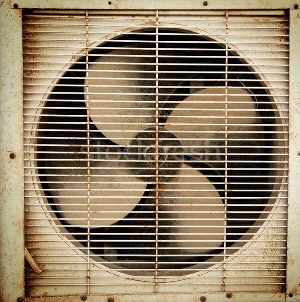 Velho sujo ventilação ventilador industrial ferrugem Foto stock © Nejron