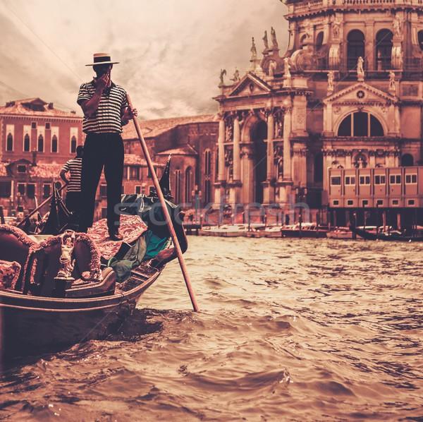 Traditionnel Venise gondole eau homme Voyage Photo stock © Nejron
