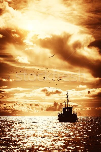 ボート 海 雲 太陽 光 背景 ストックフォト © Nejron