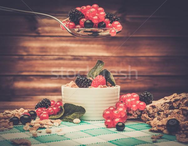Stock fotó: Egészséges · reggeli · müzli · bogyók · fából · készült · vidéki