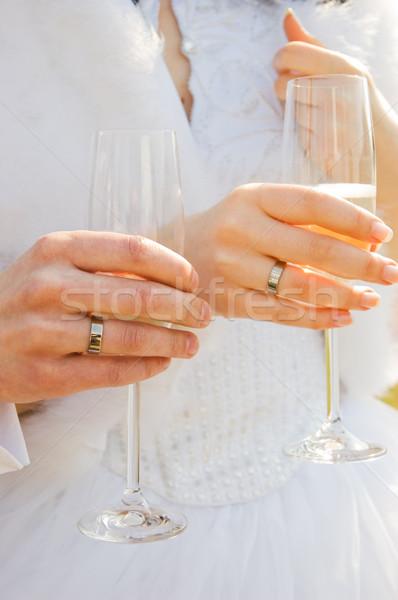 Stockfoto: Twee · handen · trouwringen · champagne · bril