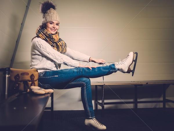 девушки коньки раздевалка женщину спорт Сток-фото © Nejron
