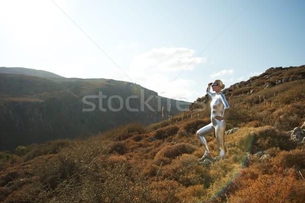 Stockfoto: Vrouw · bergen · hemel · mode · landschap · aarde