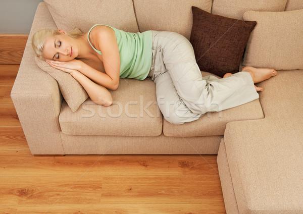 Foto d'archivio: Bella · donna · dormire · divano · donna · casa · occhi