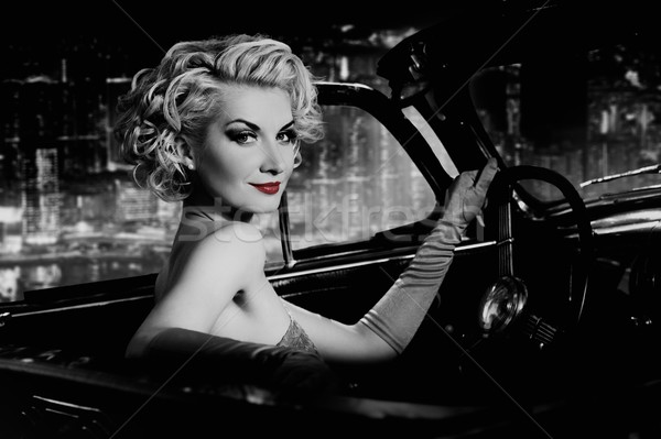 Stockfoto: Vrouw · rode · lippen · retro · auto · nacht · stad