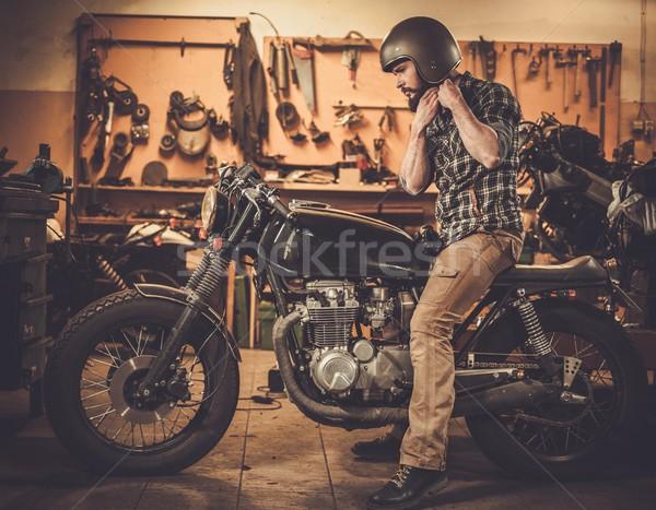 Vintage стиль мотоцикл Таможня гаража человека Сток-фото © Nejron