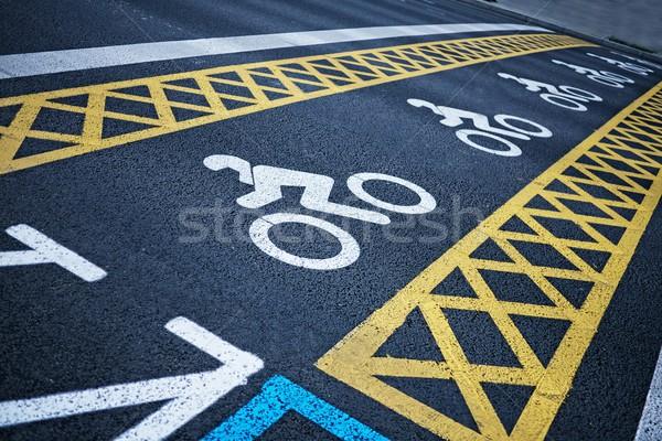 Stockfoto: Fiets · weg · straat · teken · asfalt · manier