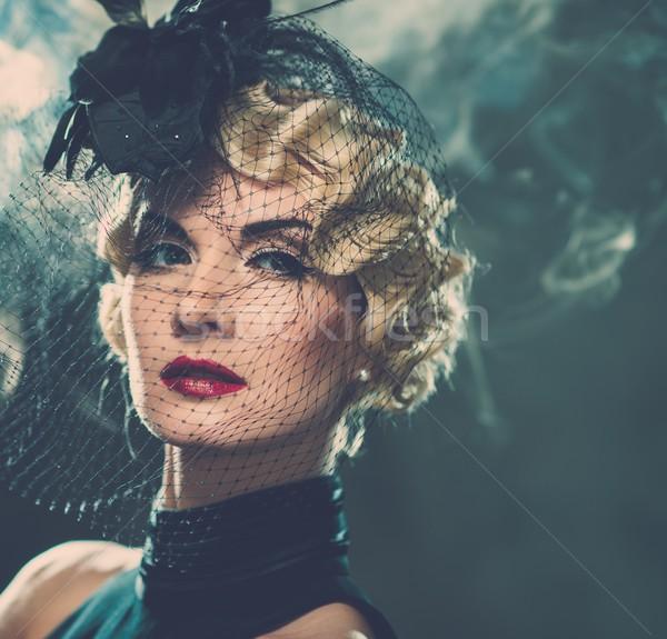 Elegante loiro retro mulher pequeno Foto stock © Nejron