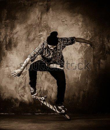 Yaralı gladyatör kırmızı kat mızrak Stok fotoğraf © Nejron