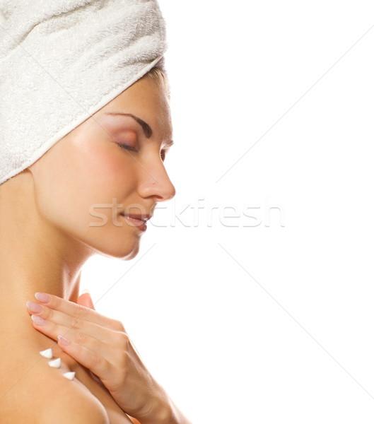 Jungen Dame Feuchtigkeitscreme Haut Dusche Stock foto © Nejron