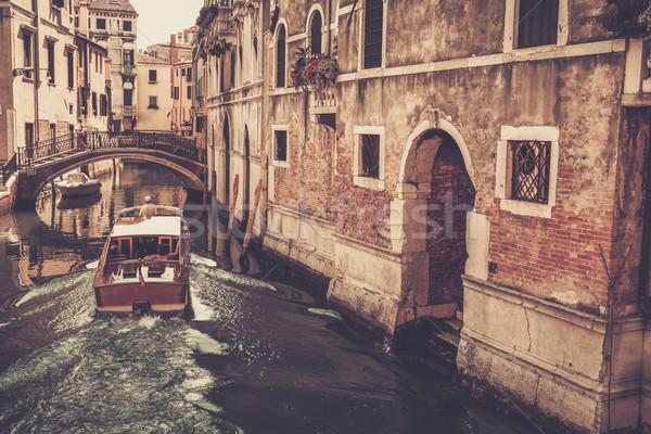 Stok fotoğraf: Insanlar · tekne · binicilik · Venedik · su · Bina