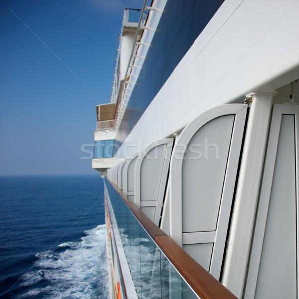 側面図 クルーズ船 海 夏 ボート 船 ストックフォト © Nejron