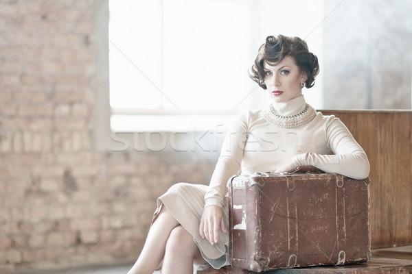 Bella vintage stile valigia stazione ferroviaria Foto d'archivio © Nejron