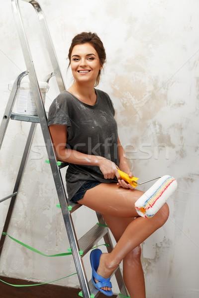 Сток-фото: счастливым · красивой · стены · Живопись · девушки