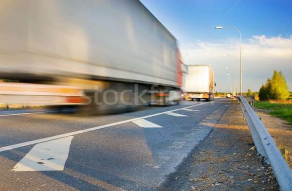 Stockfoto: Snel · bewegende · vrachtwagen · weg · reizen · snelweg