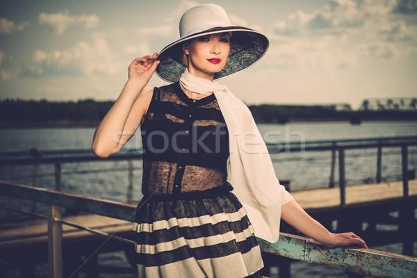 女性 白 帽子 スカーフ 立って 古い ストックフォト © Nejron