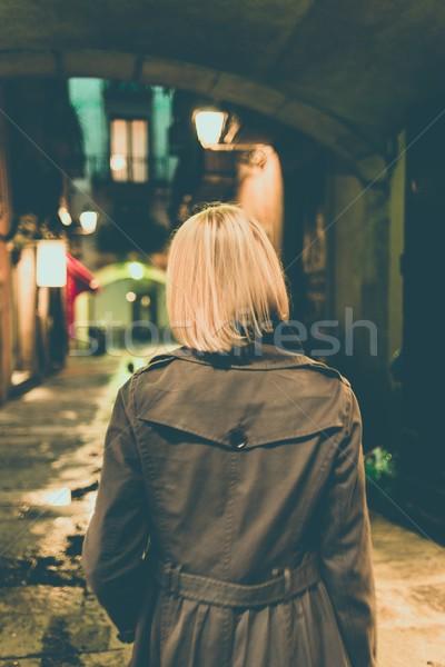 ブロンド 女性 レインコート 徒歩 だけ 屋外 ストックフォト © Nejron