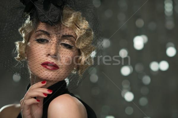 Elegáns szőke retro nő vörös rúzs visel Stock fotó © Nejron