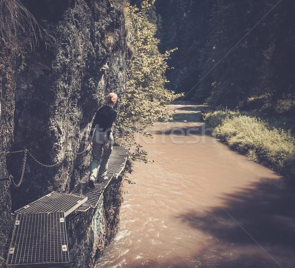 Mulher andarilho caminhada rio Eslováquia água Foto stock © Nejron