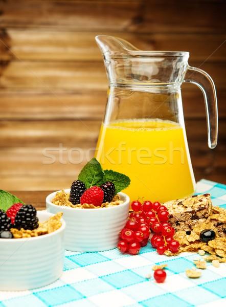 Gesunden Frühstück frischen Orangensaft Tischdecke Holz Stock foto © Nejron