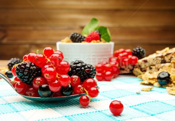 здорового завтрак мюсли Ягоды скатерть Сток-фото © Nejron