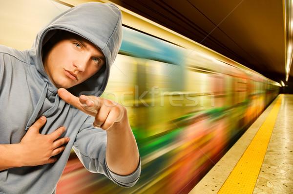 Jonge crimineel metro gezicht stad mode Stockfoto © Nejron