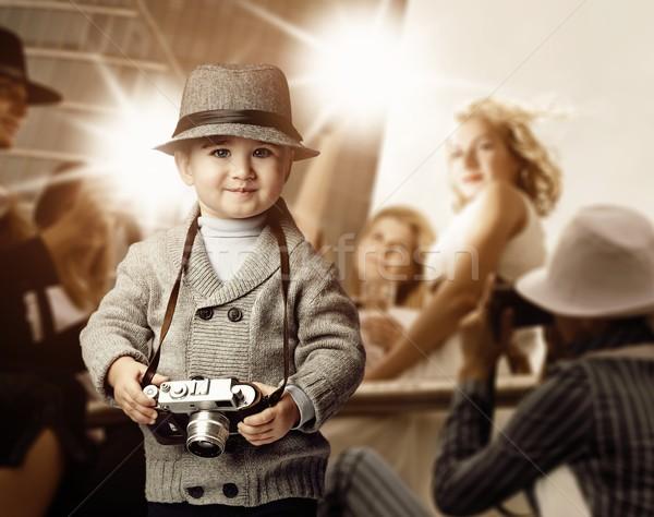 Baby jongen retro camera foto glimlach Stockfoto © Nejron