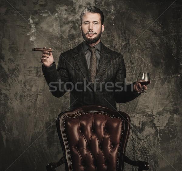 Zdjęcia stock: Przystojny · szkła · napój · cygara · moda · pić