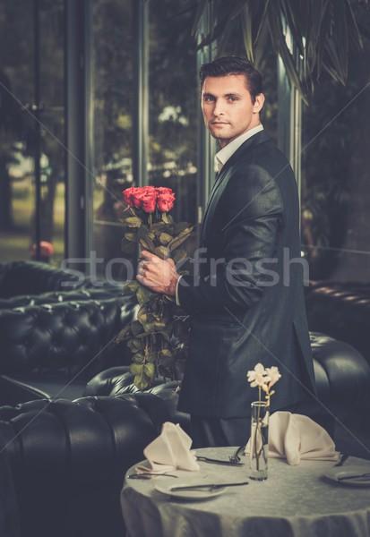 randevú egy jóképű férfi