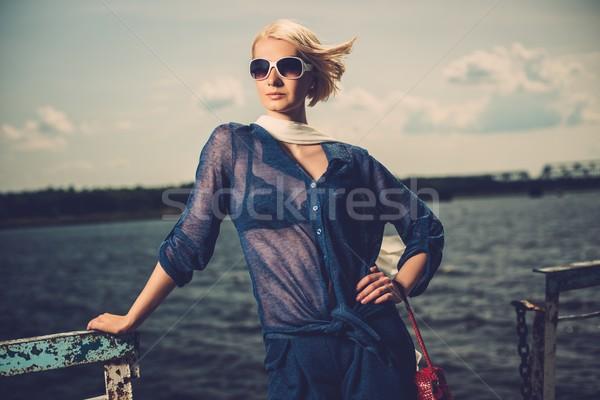 şık güzel sarışın kadın beyaz Stok fotoğraf © Nejron