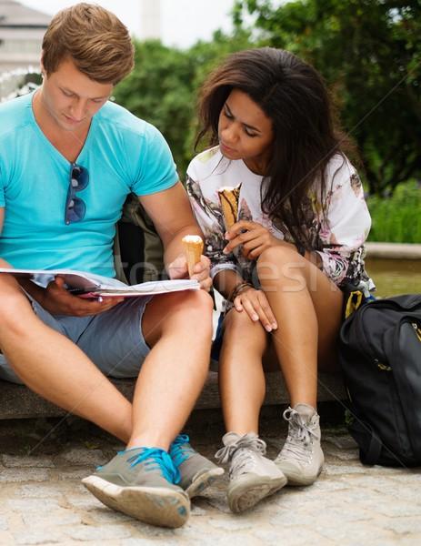 Estudantes casal final exames cidade Foto stock © Nejron