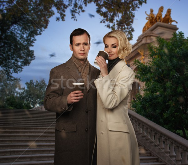 Elegante paar buitenshuis warme drank vrouw Stockfoto © Nejron