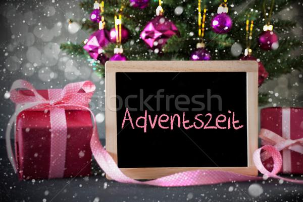 árbol regalos bokeh advenimiento temporada Foto stock © Nelosa