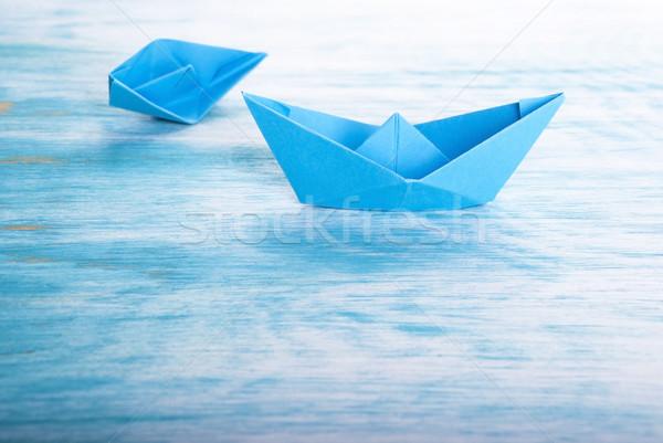 łodzi wypadku jeden inny pomoc origami Zdjęcia stock © Nelosa