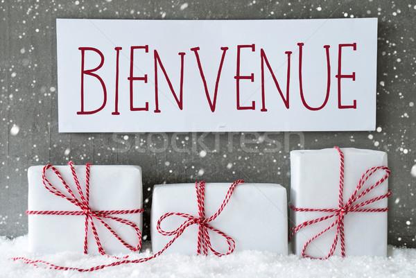 Bianco regalo fiocchi di neve benvenuto etichetta francese Foto d'archivio © Nelosa