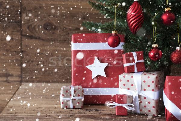Noel ağacı hediyeler kar taneleri hediyeler Stok fotoğraf © Nelosa