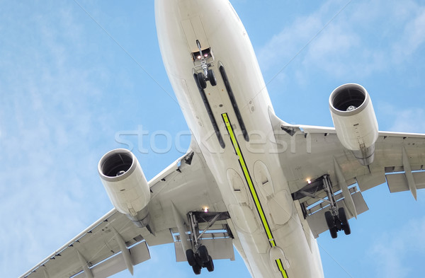 Laag niveau jet groot vliegen Stockfoto © nelsonart