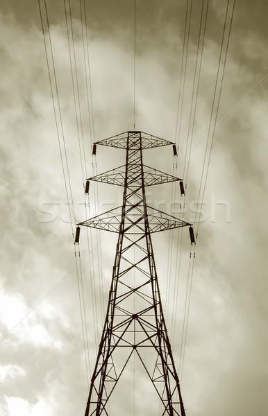 Alta tensão nuvens cabos indústria tempestade nuvem Foto stock © nelsonart